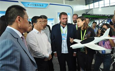 Zhang Qingwei, the then Governor of Hebei Province, visited Shijiazhuang General Aviation Exhibition 2016